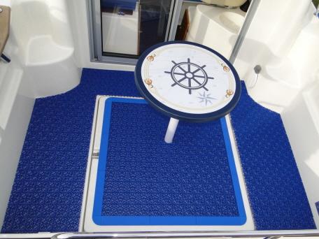 Bergo MARINE - Schiffdecks aus PP Kunststoff auf Angelboot